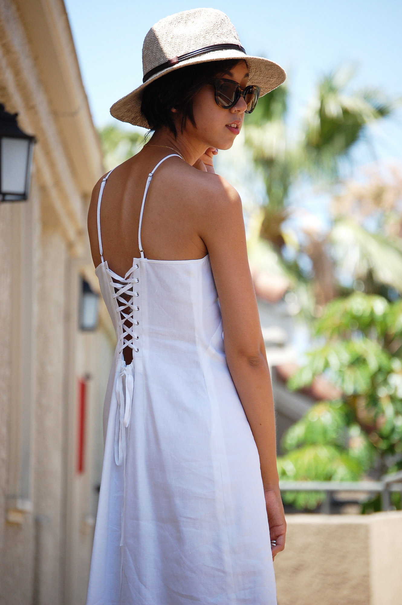 White High Collar Lace Back Dress4