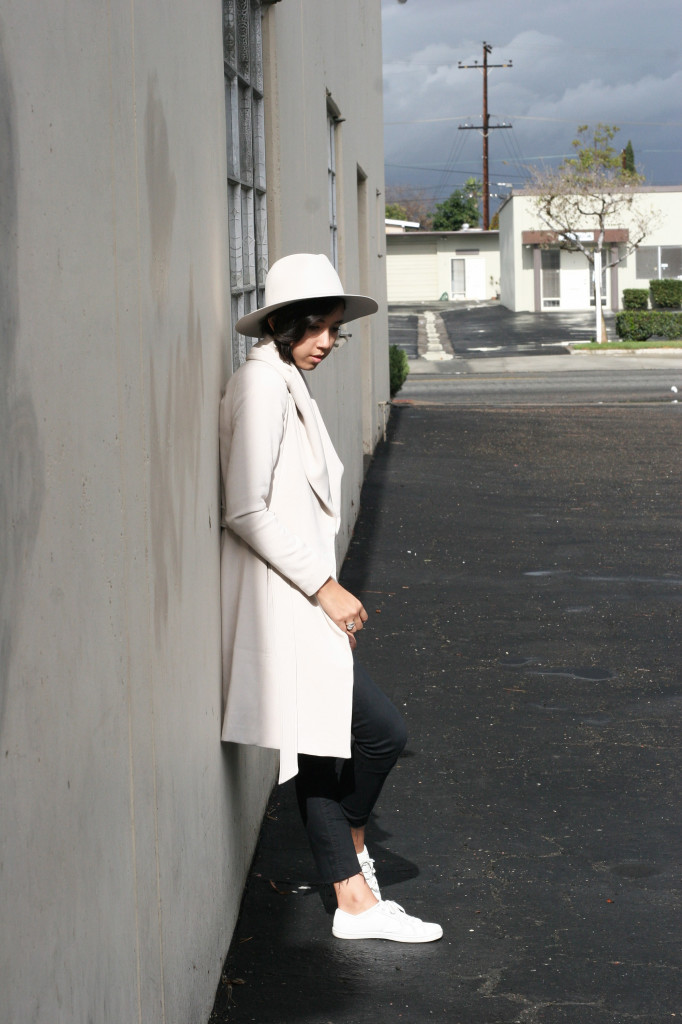 wrap-coat-taupe-gambler-hat6