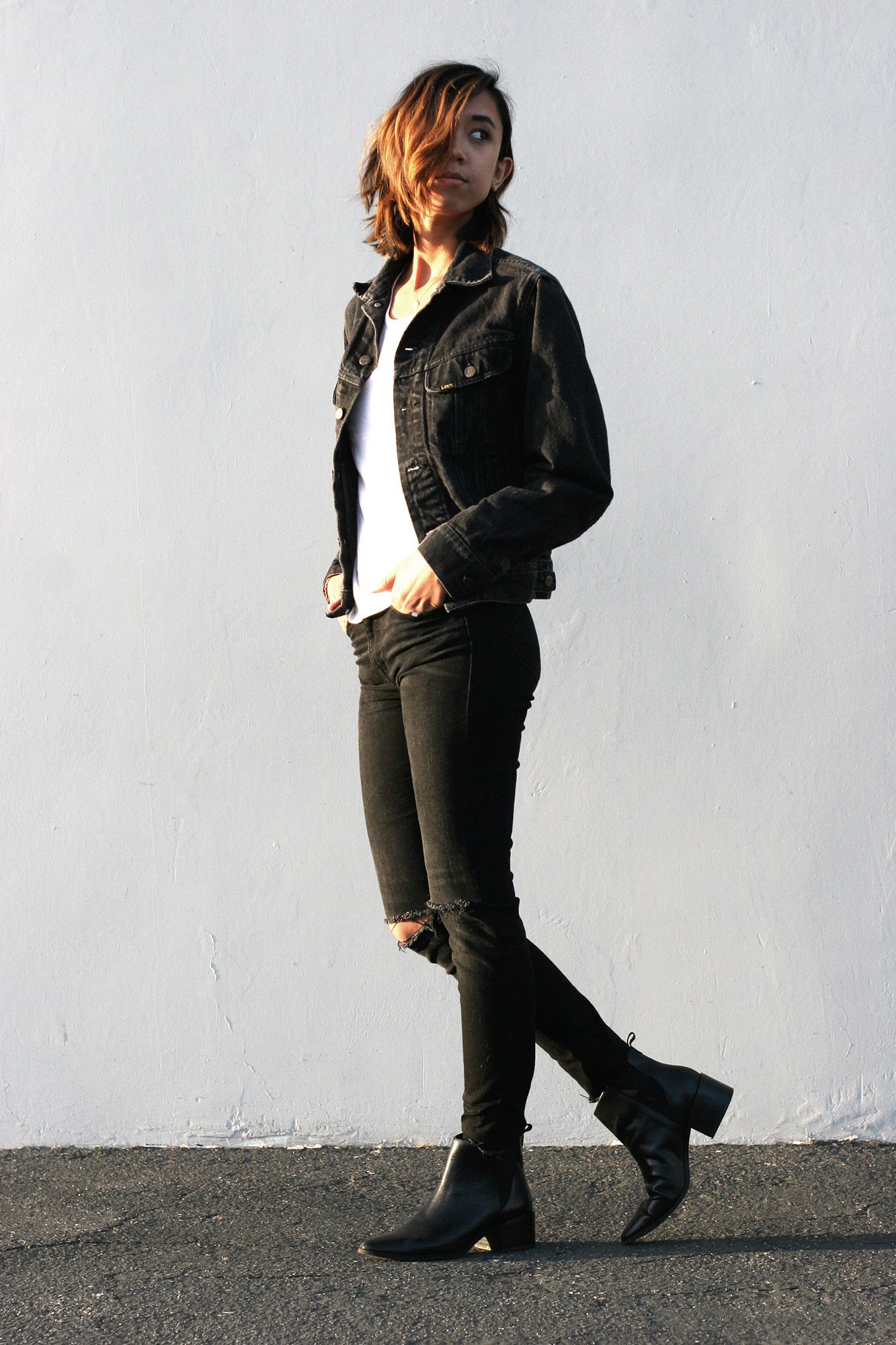 Levis_Black_Denim_Jacket4