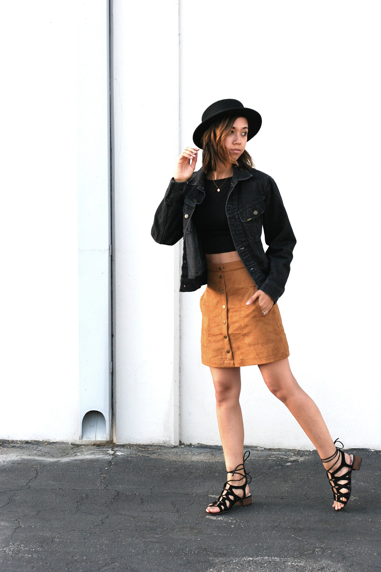 HM_Camel_Suede_Buttondown_skirt1