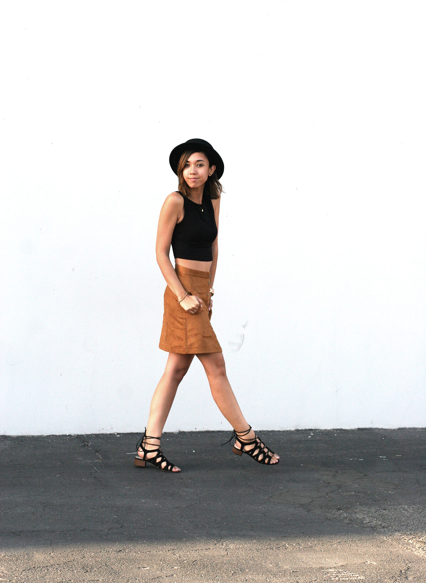HM_Camel_Suede_Buttondown_skirt2