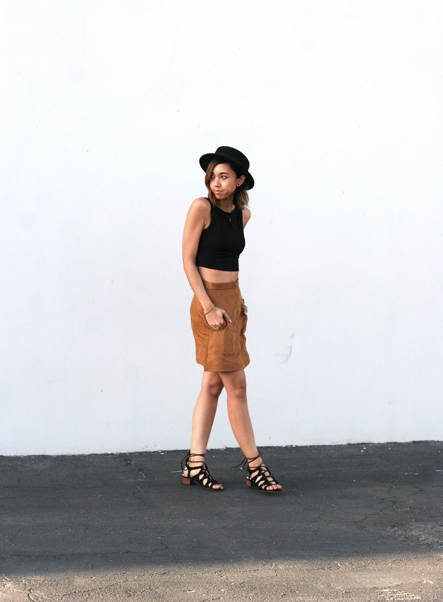 HM_Camel_Suede_Buttondown_skirt3