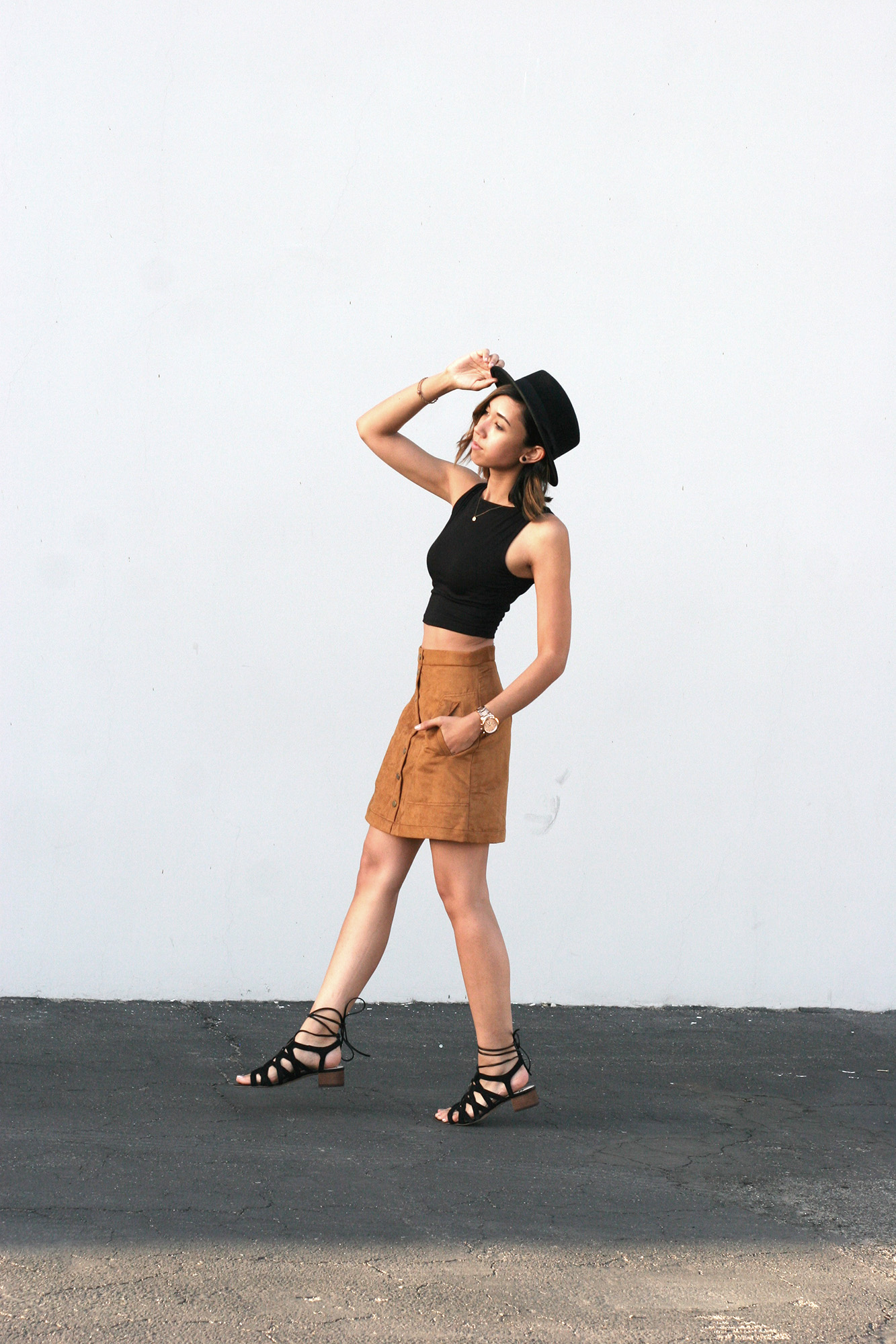 HM_Camel_Suede_Buttondown_skirt4