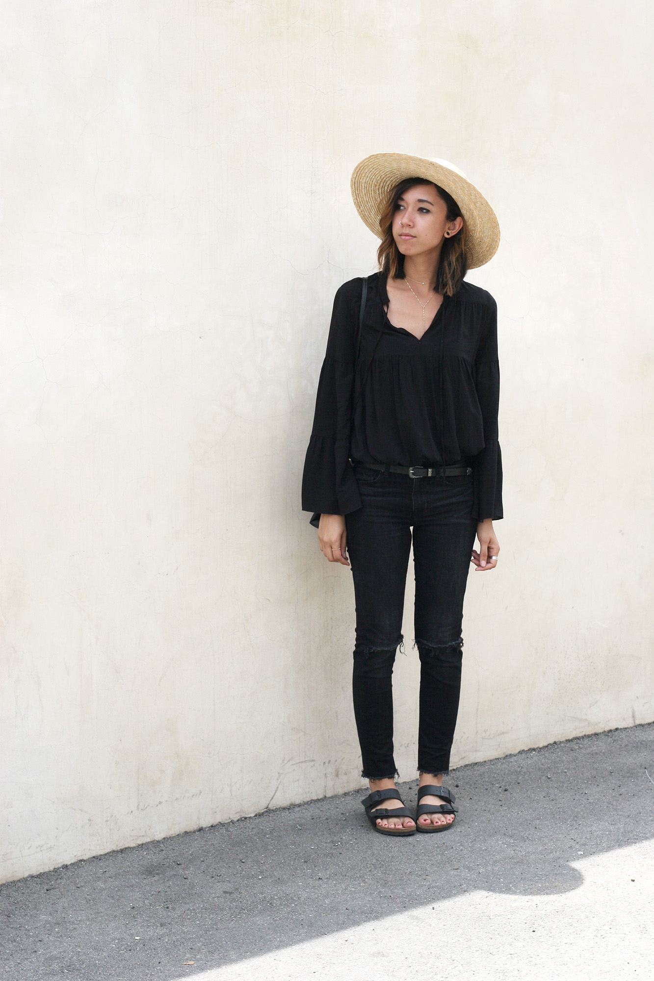 H&M_Black_Bell_Sleeve_Blouse4
