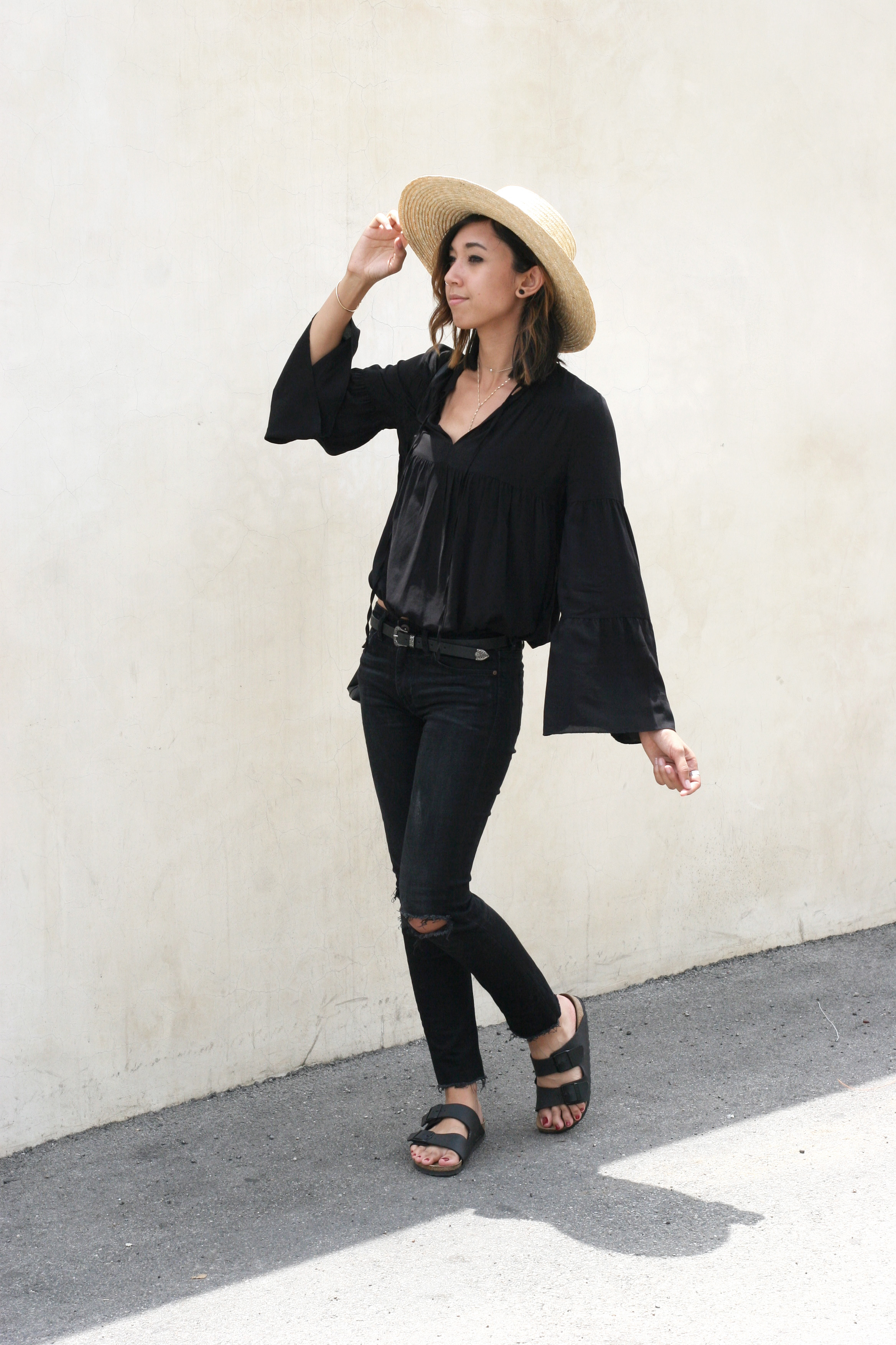 H&M_Black_Bell_Sleeve_Blouse5