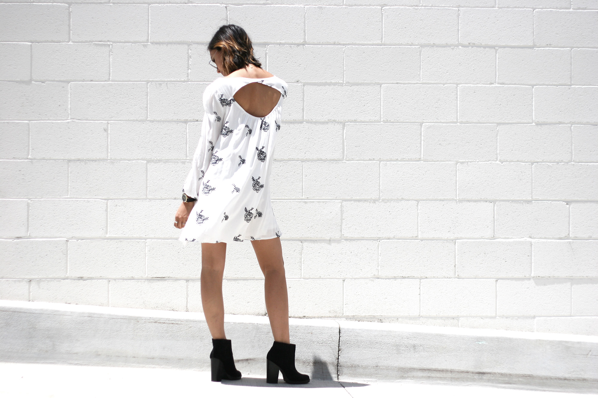 SheInside_White_Longsleeve_Floral_Print_Dress2