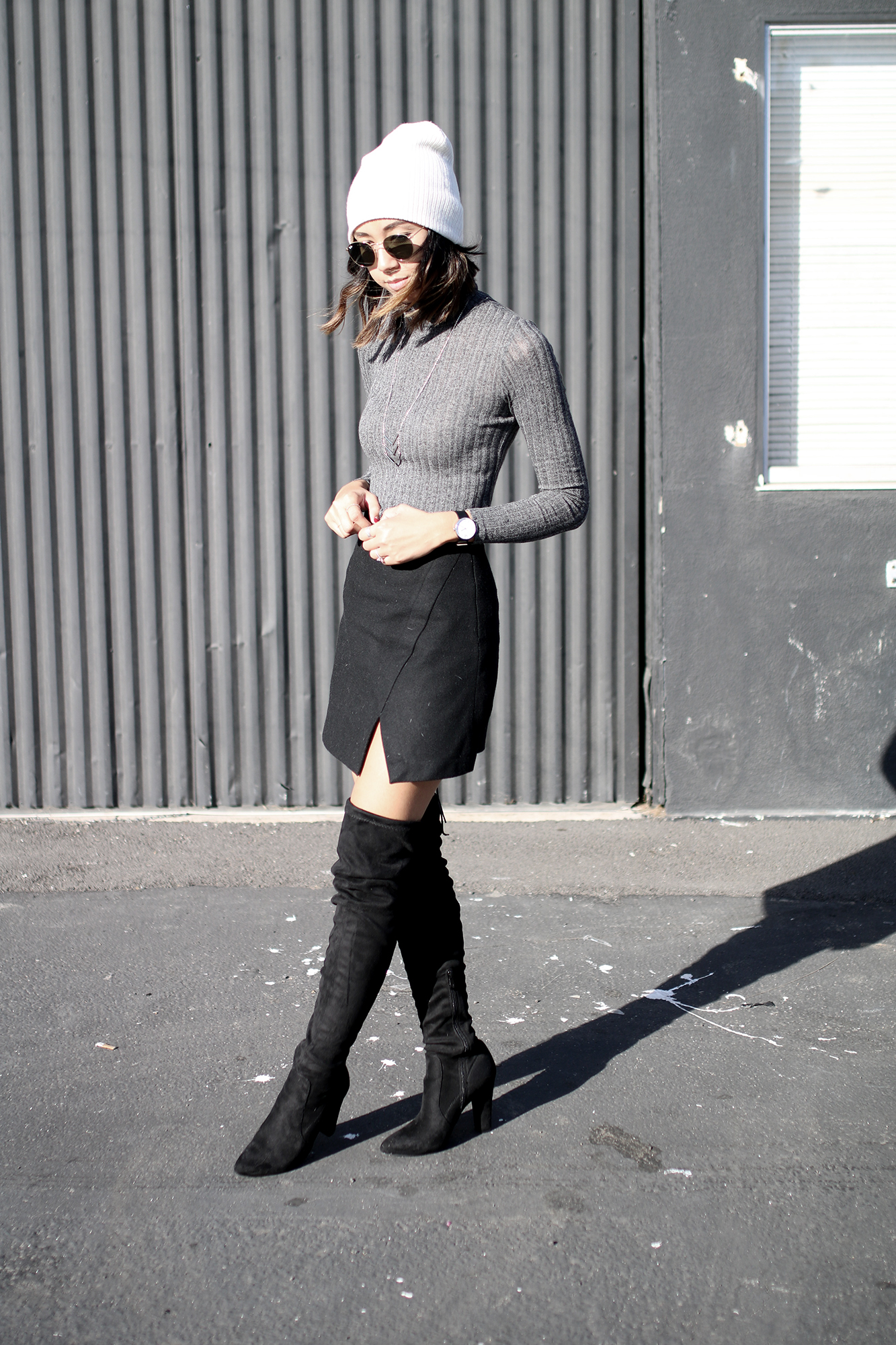 poshsquare_grey_turtleneck_top3