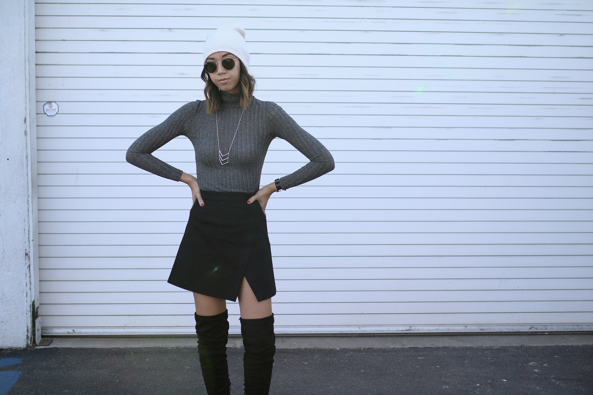 poshsquare_grey_turtleneck_top6