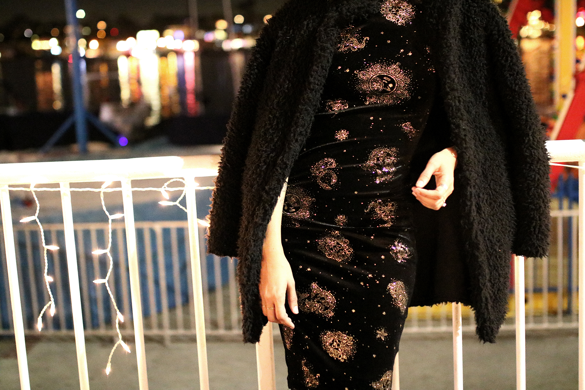 uo-glitter-velvet-dress-nye7